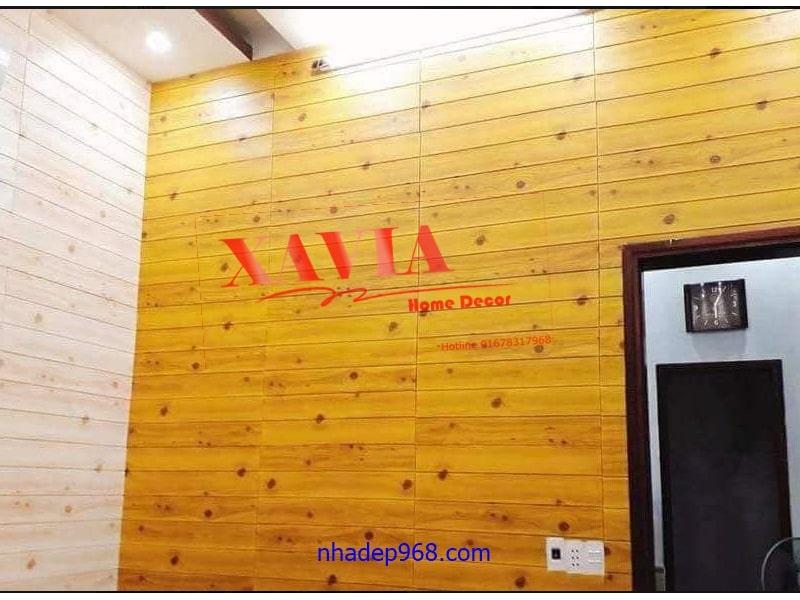 xốp dán tường vân gỗ cho vân đen