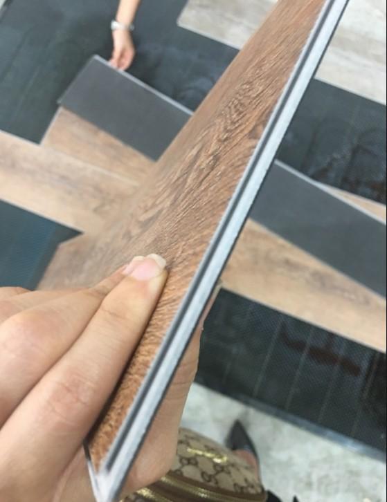 mép nối sàn nhựa hèm khóa
