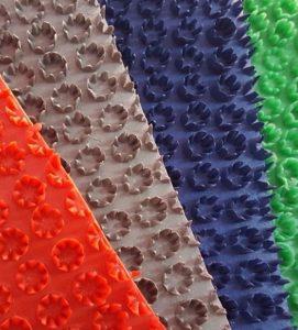 thảm nhựa gai hoa cúc