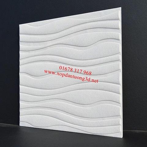 Xốp dán tường vấn sóng màu trắng