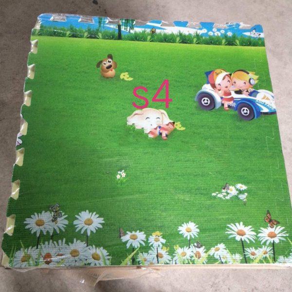 xốp ghép sàn hoạt hình đồng cỏ cho bé